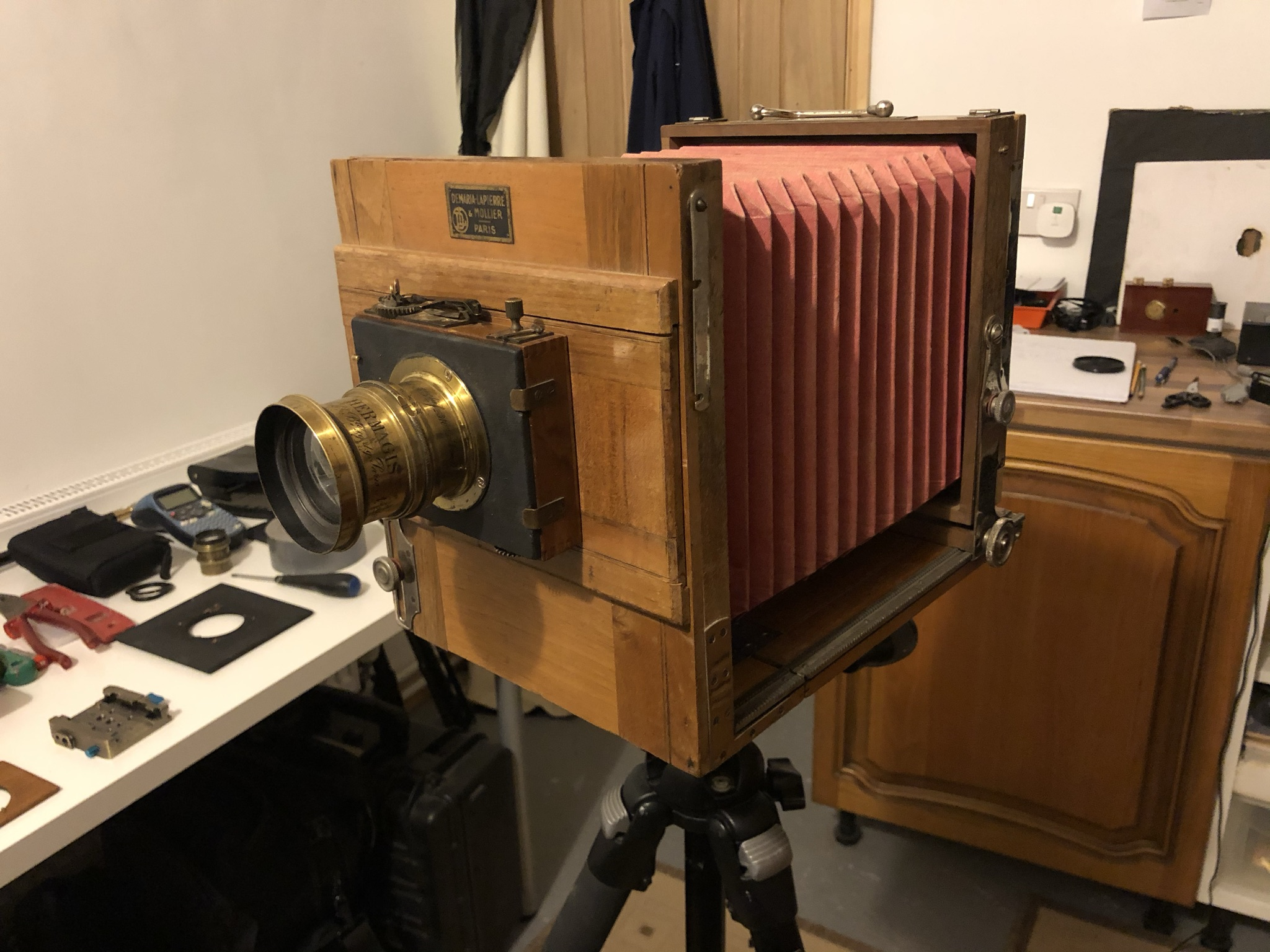 Shows the 5x7 camera